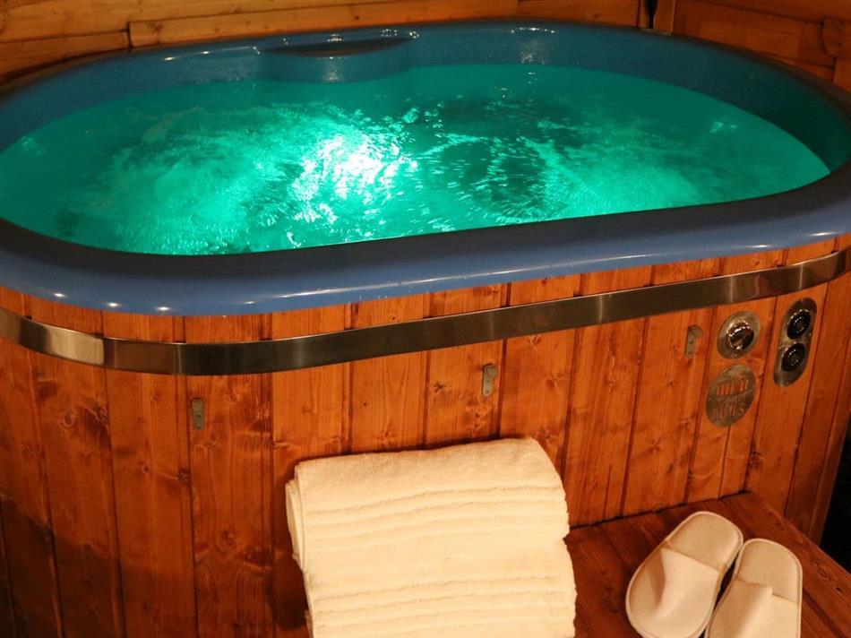 Hot tub at The Burrow,