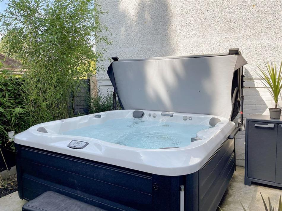 Hot tub at The White House Retreat, Worthing