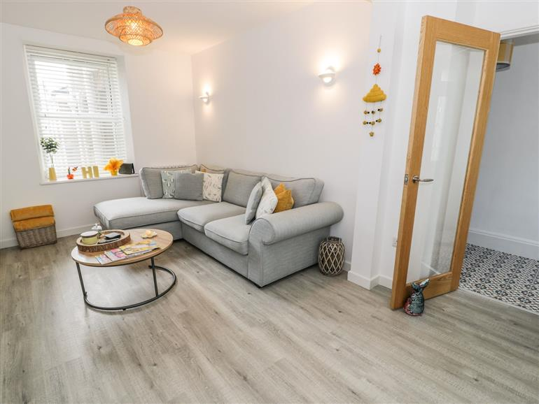 This is the living room at 55 New Street in Porthmadog