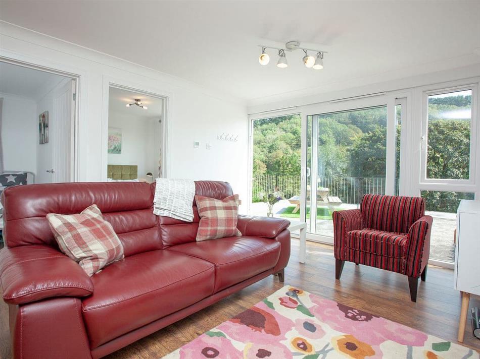 Living room in Beachwood, Beachwood