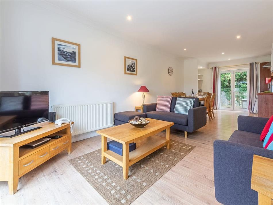 Living room in Cottage 2,