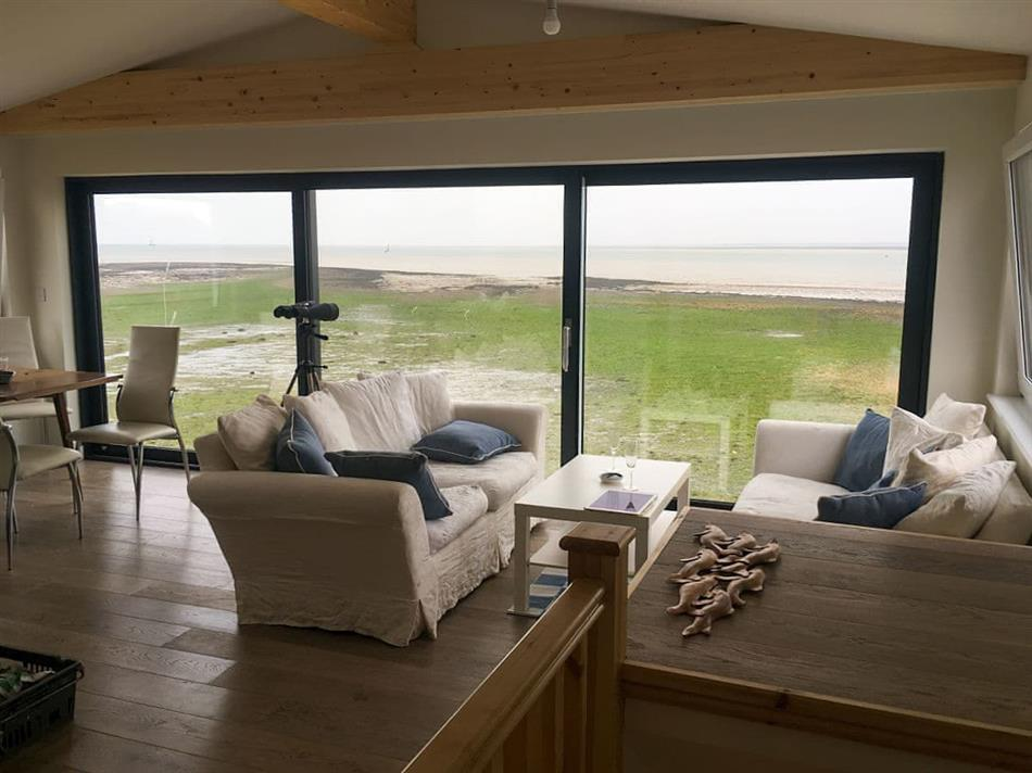Living room in Curlew, Point Clear Bay