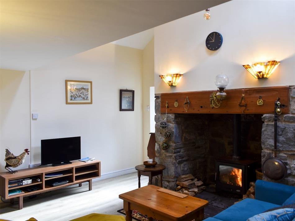 Living room in Gwern Gof Bach, Capel Curig, near Betws-Y-Coded