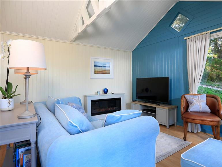 The living room at Meadow Lodge @ Seawardstone in Blackawton