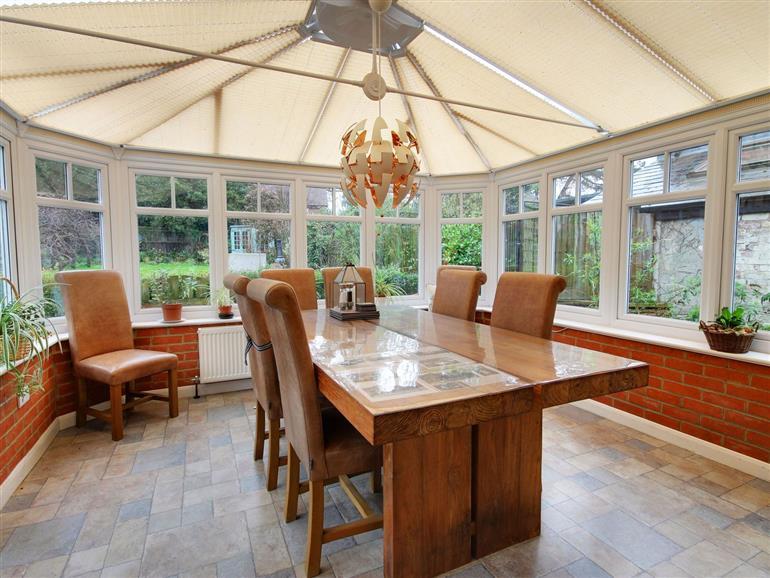 The living room at Oakapple Cottage near Lyndhurst