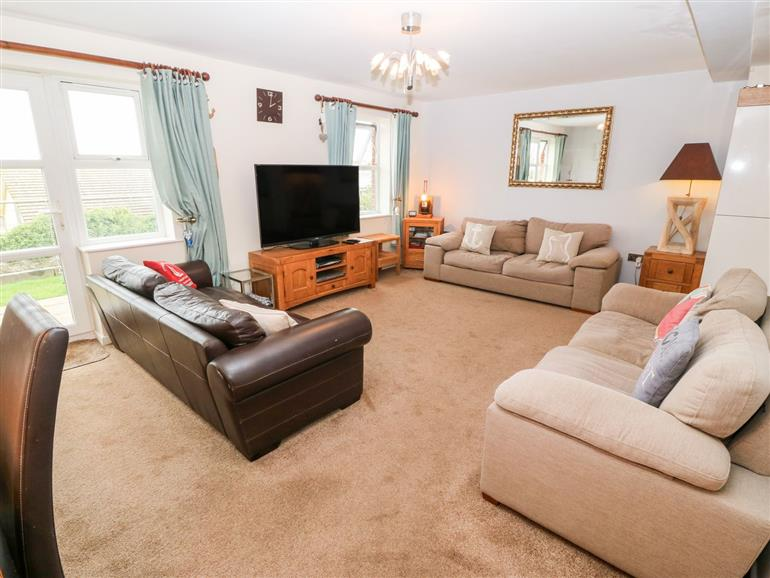 The living room at Seascape in Benllech