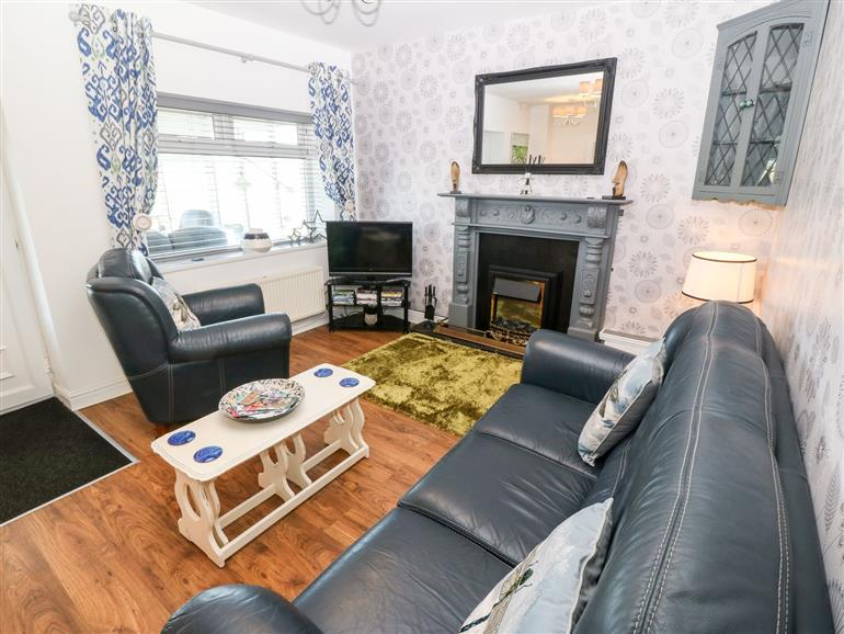 The living room at Trewan Cottage in Outskirts of Rhosneigr