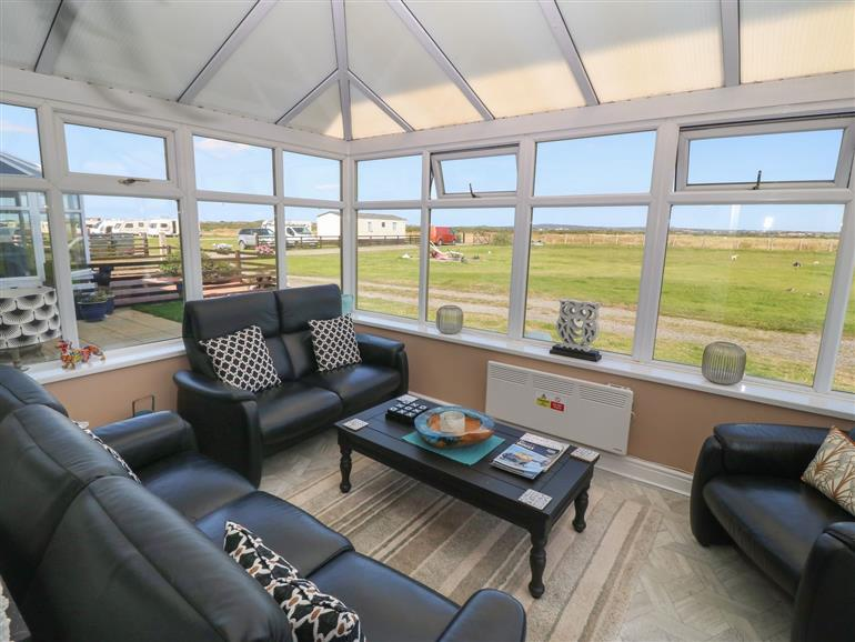The living room at Trewan House in Outskirts of Rhosneigr