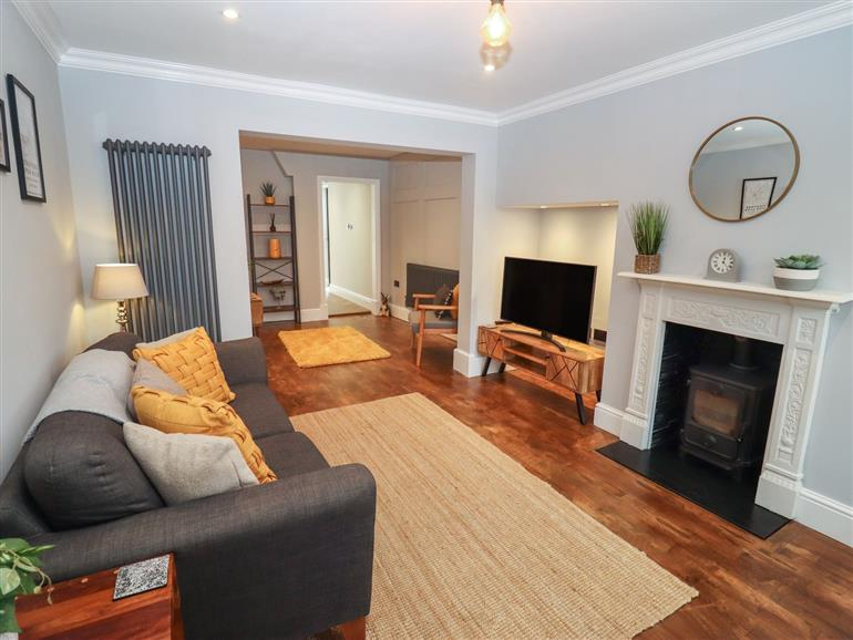 This is the living room at Trinity Cottage in Stratford-Upon-Avon