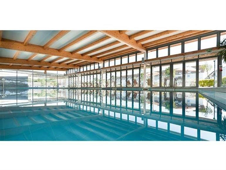 Swimming pool at Delaware 9, The West Bay Club near Yarmouth