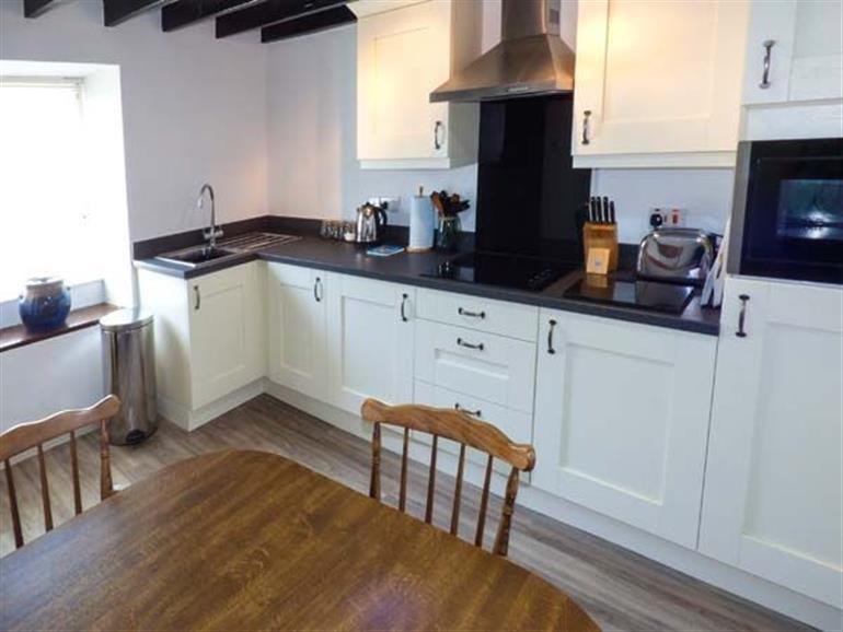The kitchen in Harbourside, Porthmadog